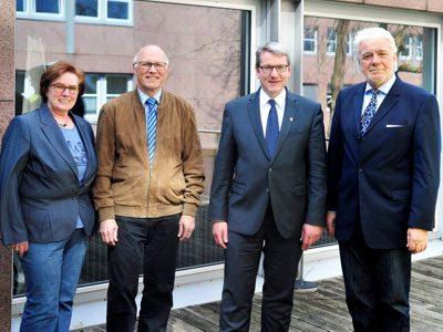 Sie sind sicher, gut zusammen zu arbeiten (v. l.): Dorothea Stauvermann, Reiner Krauße, Landrat Dr. Klaus Effing, Norbert Klapper.