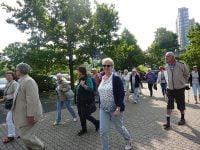 Zu Fuß auf dem Weg zum WDR