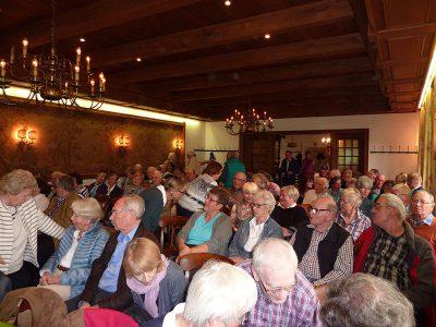 Im Heidehotel Waldhütte war der Saal mit über 100 Teilnehmern gut gefüllt.