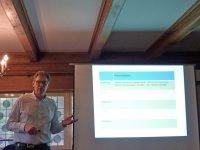 Dr. med. Frank Siebecker bei seinem Vortrag.
