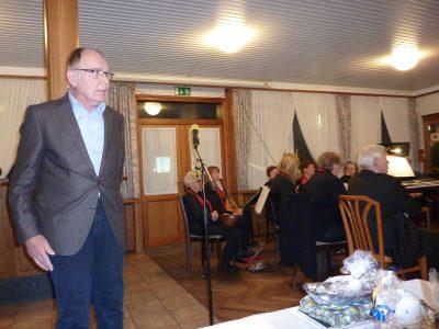 "Reinhard Baumgardt gibt den ""Armen Tartar"" zum Besten"