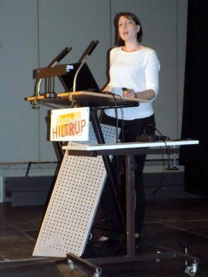 Ergotherapeutin Diana Haubrich zeigt Hilfen auf wenn das Schreiben nicht mehr so gut gelingen will.