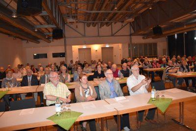 Fast 100 VdK-Mitglieder kamen zur Jahreshauptversammlung in Stroetmanns Fabrik.