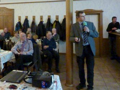 Dr. med. Florian Bethke erläutert nicht motorische Parkinson-Symptome.