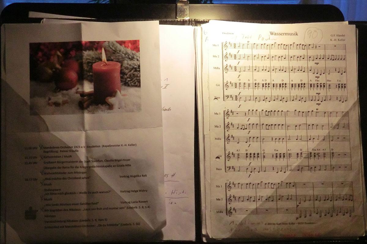 Adventsfeier mit Musik und vielen Mitglieder-Beiträgen.