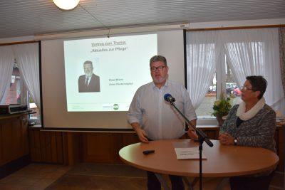 """""""Aktuelles zur Pflege"""" erläuterten Christine und Klaus Meiers"""