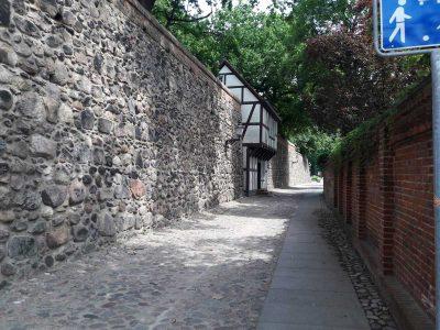 Ein Wieckhaus in der alten Stadtmauer Neubrandenburg