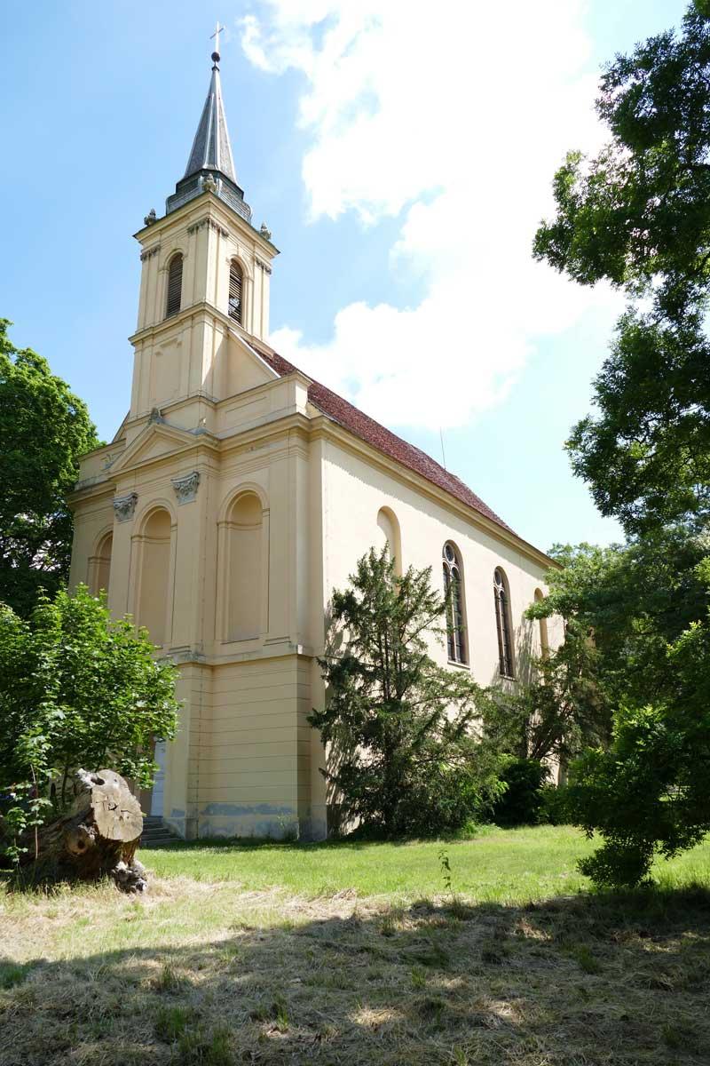 700-jährige denkmalgeschützte Feldsteinkirche in Ankershagen
