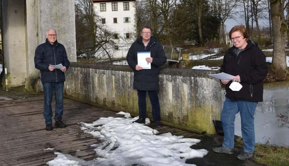 Auf dem Bild zu sehen: von links: Reiner Krauße Stefan Wolters sowie Dorothea Stauvermann.